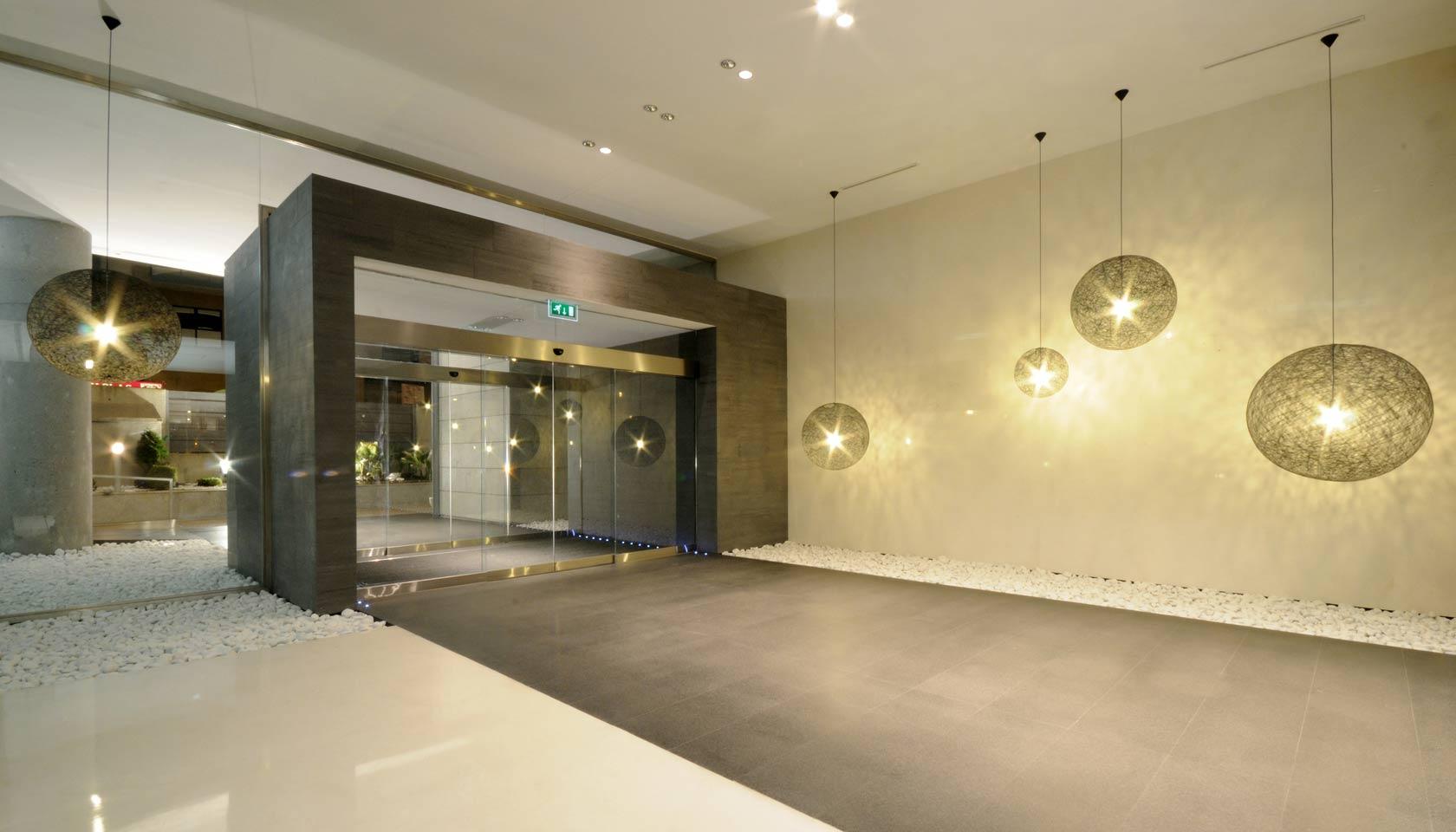 Entrada oficinas bsr architecture engineering for Proyecto oficina